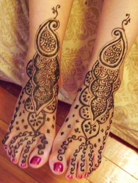 free hand mehndi design for bride