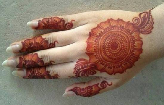 mehendi for back hands
