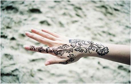 black mehndi design for hand