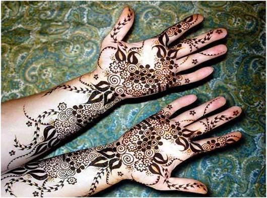 beautifully designed black mehndi for bridal