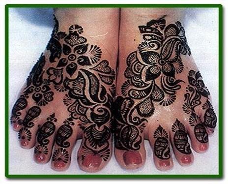 black mehndi design for foot
